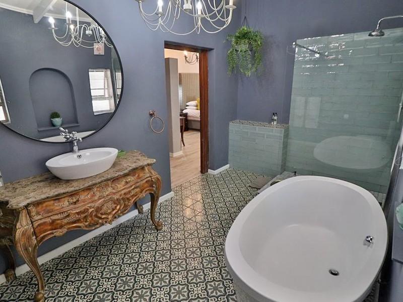 Luxury Family Room 8 La Roca Guesthouse